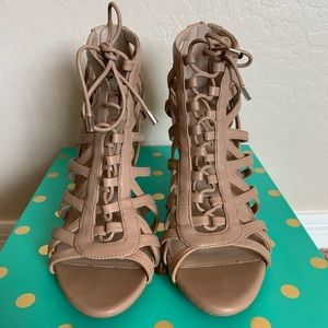 Nine West 6.5 Nude sandals